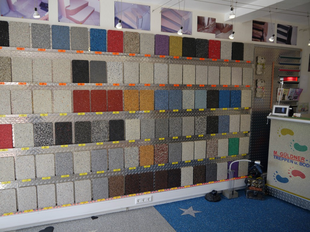 Steinteppich in Farbvariationen